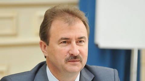 Попов обещает льготникам 4 тыс. квартир