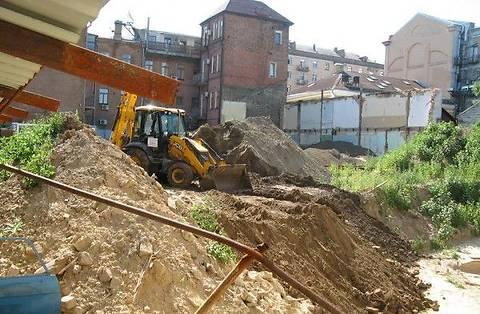 Суд запретил любое строительство в Десятинном переулке